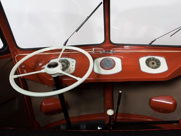 1955-Volkswagen-Microbus-Samba-auction-14