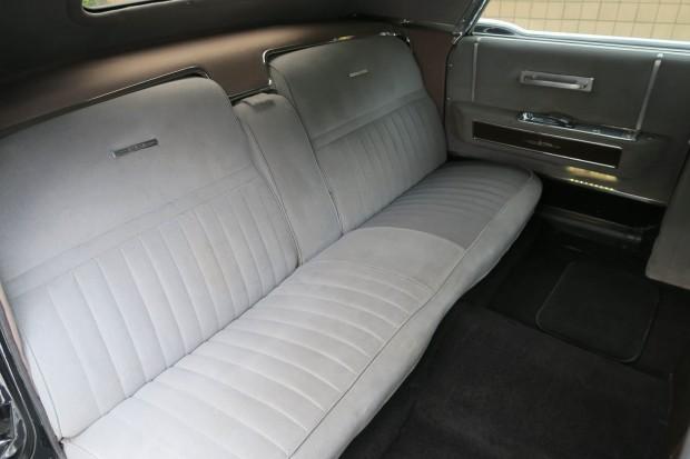 1965-lincoln-continental-limo-mcqueen-45