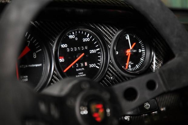 911-RS-3.5-Red-Evolution-18