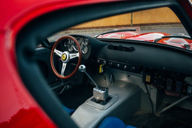 ferrari_250_gto_with_2_fender_vents_2