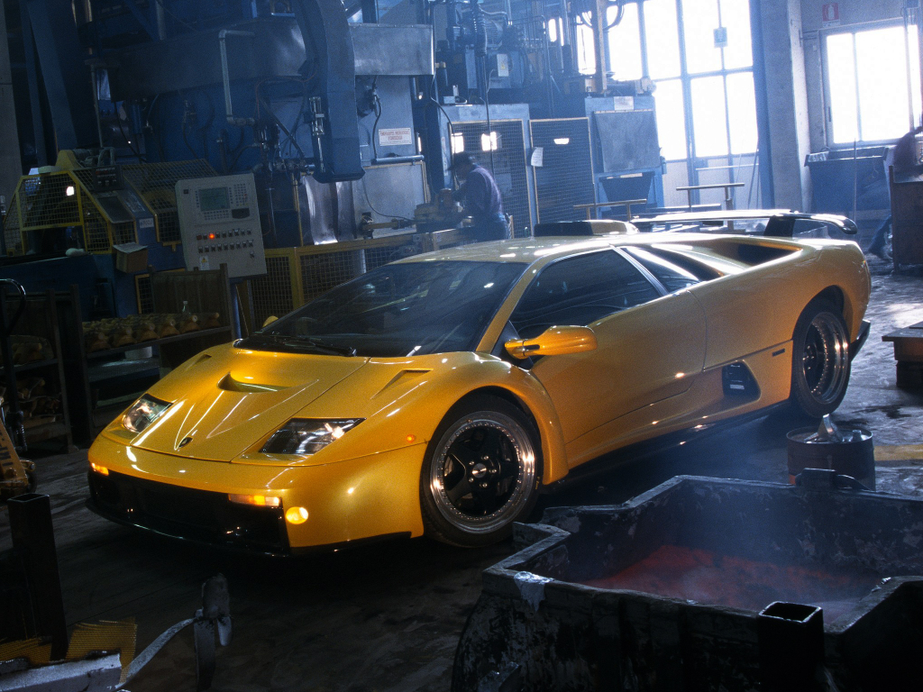 Lamborghini_diablo_gt_1