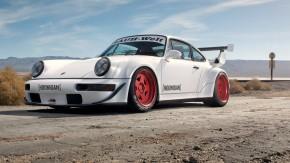 Hooned: conheça o primeiro Porsche 911 Turbo RWB feito nos Estados Unidos