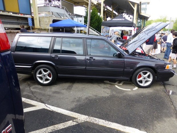 volvo converse side view