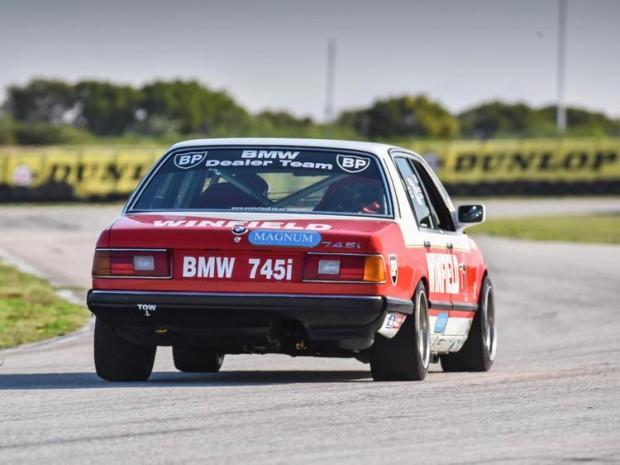 BMW_Winfield745iE32_02-L