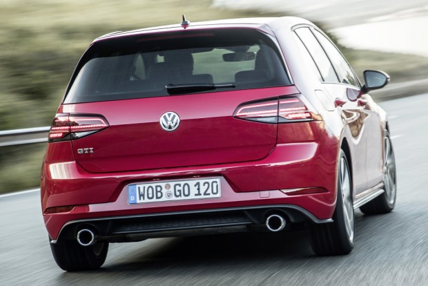 volkswagen_golf_gti_5-door_45