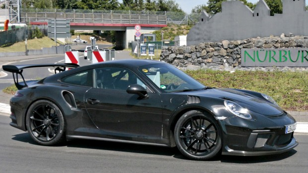 2018-porsche-911-gt3-rs-spy-photo-1