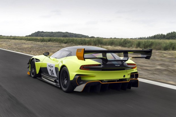 Aston-Martin-Vulcan-AMR-Pro-14