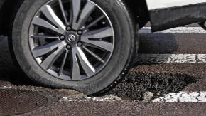 Como funciona a suspensão ativa que vêos buracos da estrada?