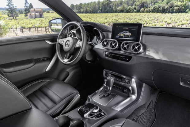 D407854-Mercedes-Benz-X-Class--Power-Interior