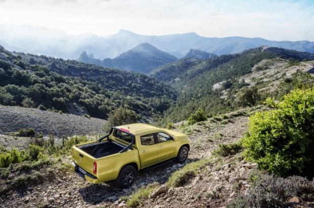 D407922-Mercedes-Benz-X-Class--Progressive-Exterior