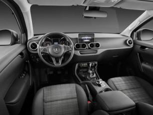 D407963-Mercedes-Benz-X-Class--Interieur-PURE