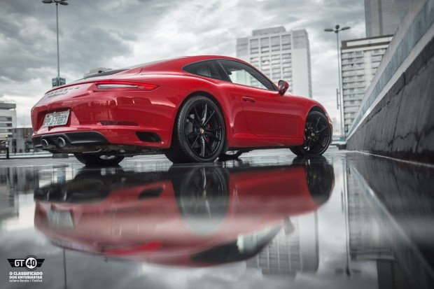 Porsche-Carrera-S-991-2-FlatOut-11