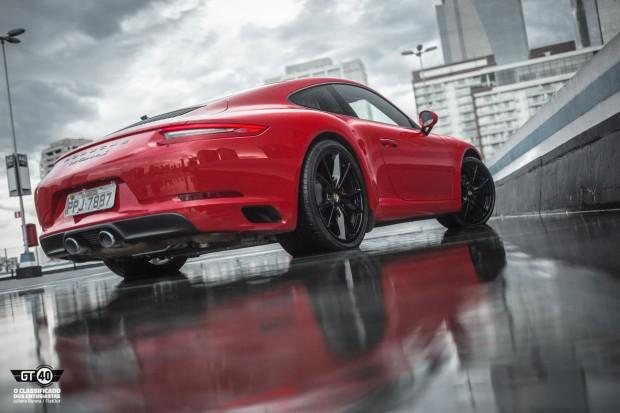 Porsche-Carrera-S-991-2-FlatOut-12