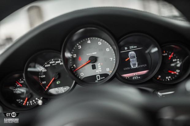Porsche-Carrera-S-991-2-FlatOut-36