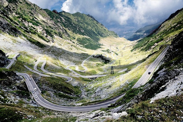 Wide_view_over_the_northern_Transfagarasan