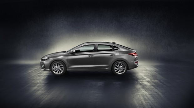 hyundai-i30-fastback-revealed-4