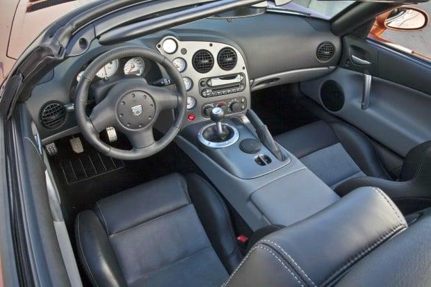2010-Dodge-Viper-SRT10-1