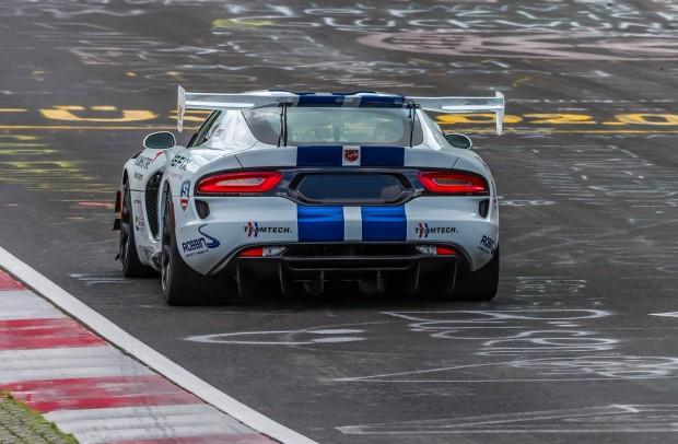 Dodge-Viper-ACR-Nurburgring-3