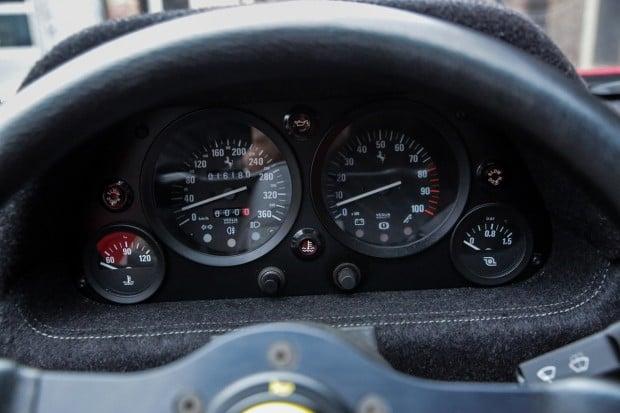 FerrariF40-251