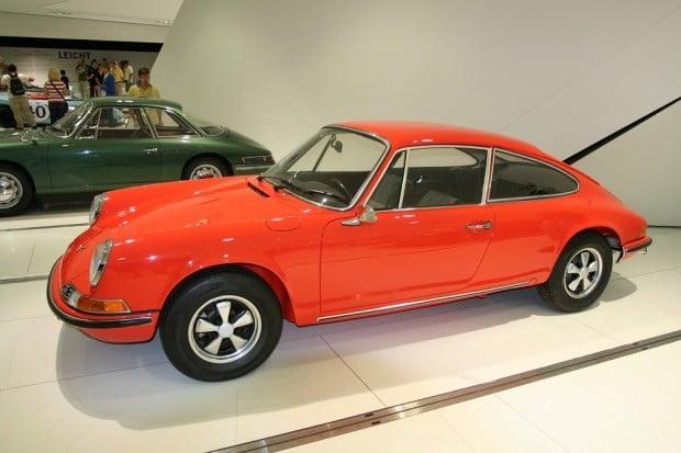 1970_porsche_911_prototype_4_seater_museum_0
