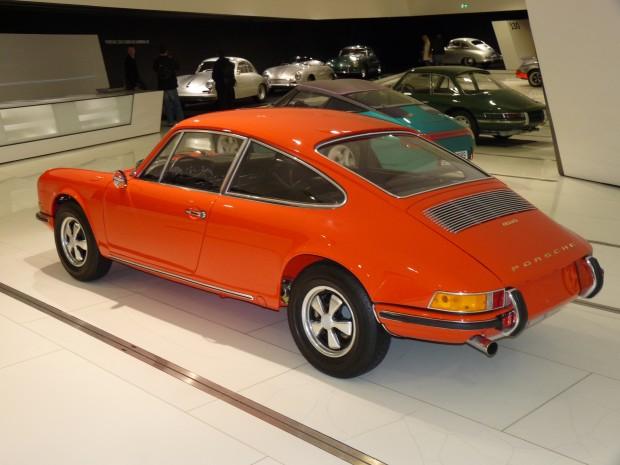 1970_porsche_911_prototype_4_seater_museum_rear_0
