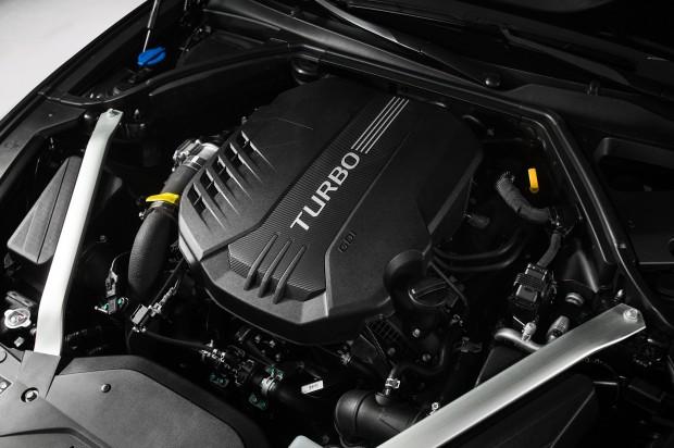 2019-Genesis-G70-engine-02