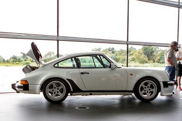 Porsche-911-930-TAG-F1-side-750x500