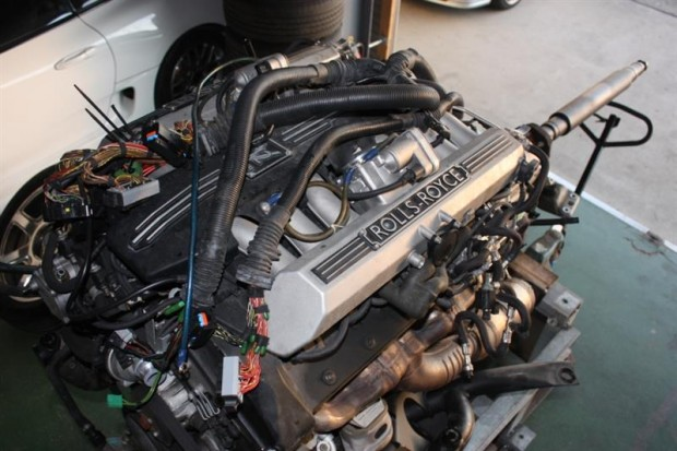 Rolls-Royce-Phantom-with-a-twin-charged-2JZ-12