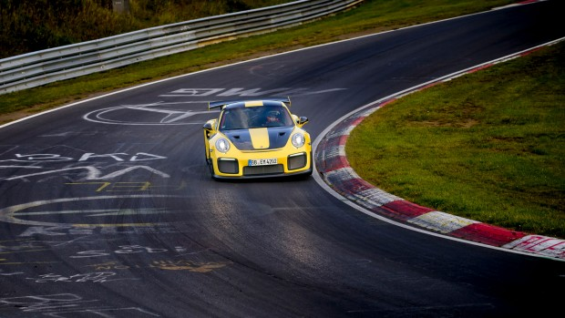 high_911_gt2_rs_world_record_nürburgring_2017_porsche_ag (2)