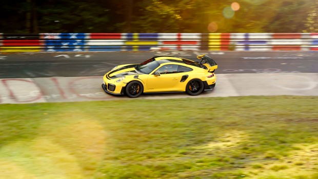 high_911_gt2_rs_world_record_nürburgring_2017_porsche_ag (5)