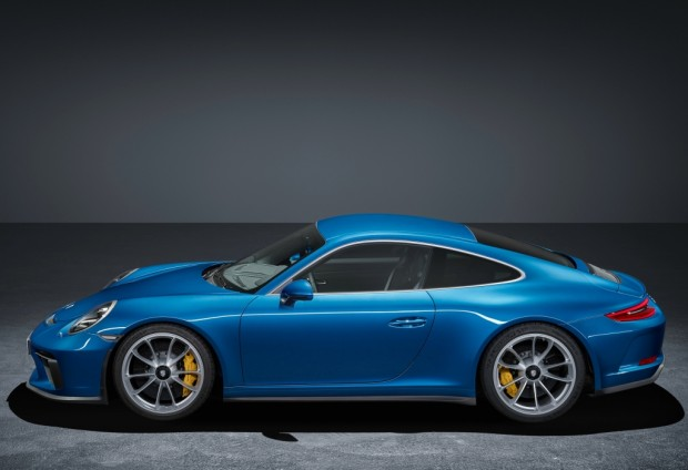 porsche_911_gt3_touring_package_13