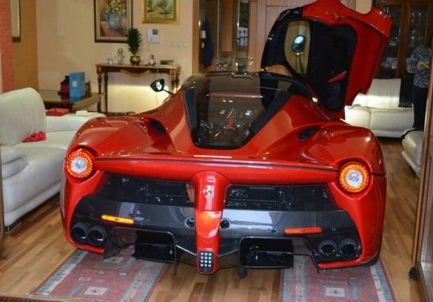 Ferrari-LaFerrari-living-room-6