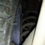 Gambitech 4, molas cortadas, e aquele pivô maroto encostando na roda e no pneu. Ai tu já vê o cuidado do ex-dono (2)