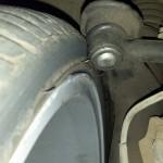 Gambitech 4, molas cortadas, e aquele pivô maroto encostando na roda e no pneu. Ai tu já vê o cuidado do ex-dono (3)