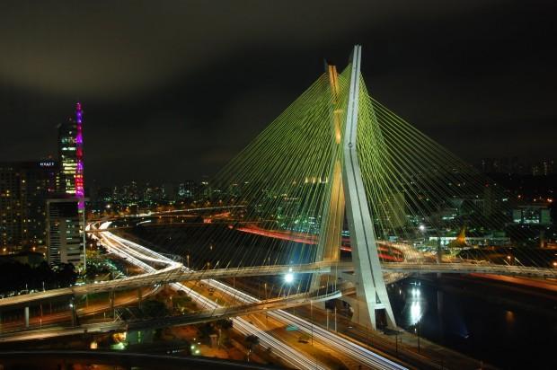 Ponte_Estaiada_-_São_Paulo_-_Brazil_(3192059946)