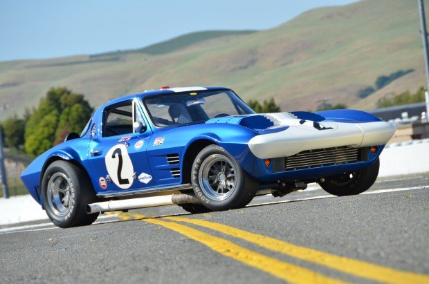 1963-chevrolet-corvette-grand-sport-side-view