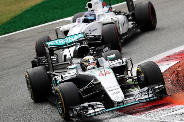 Lewis-Hamilton-Teammate-Nico-Rosberg-New-Mercedes-GP-Valtteri-Bottas-F1-2017-758852