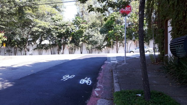 bicicletinhas-pintadas-asfalto-ciclovia-removida-morumbi