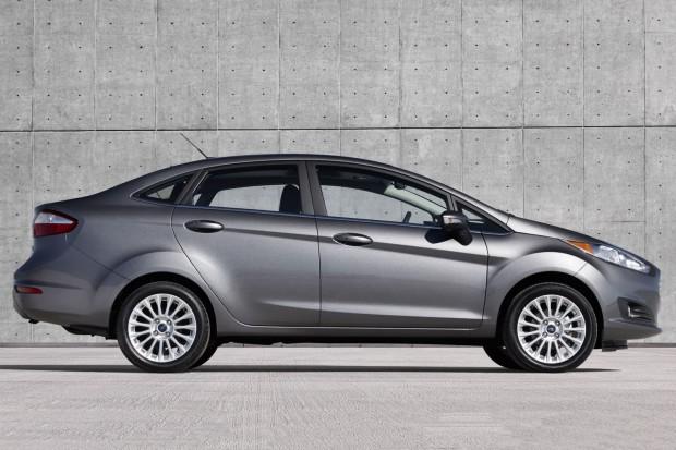 ford-fiesta-sedan-wallpaper-4