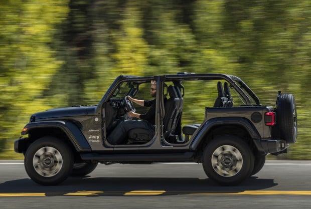jeep_wrangler_unlimited_sahara_277_7