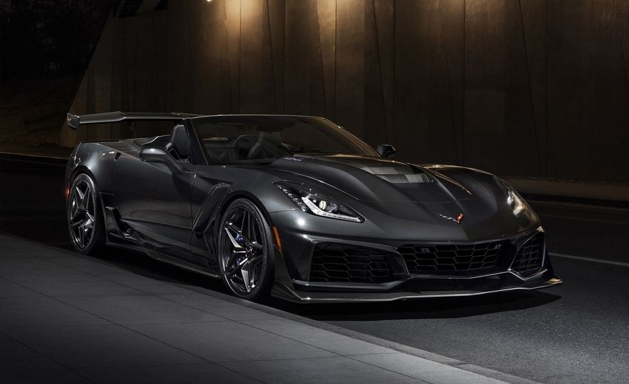 2019-Chevrolet-Corvette-ZR1-Convertible-015