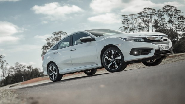 Aceleramos o Honda Civic Touring – e descobrimos as qualidades (e defeitos) da versão turbo
