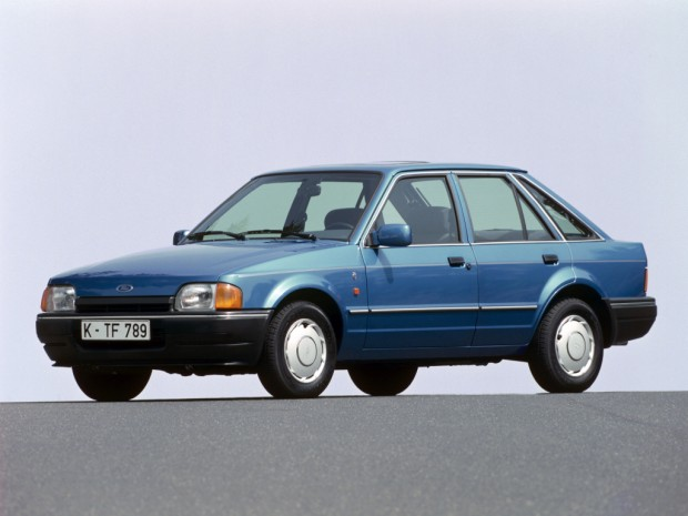 autowp.ru_ford_escort_ghia_5-door_hatchback_2