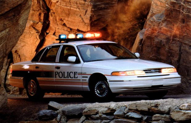 ford_crown_victoria_11