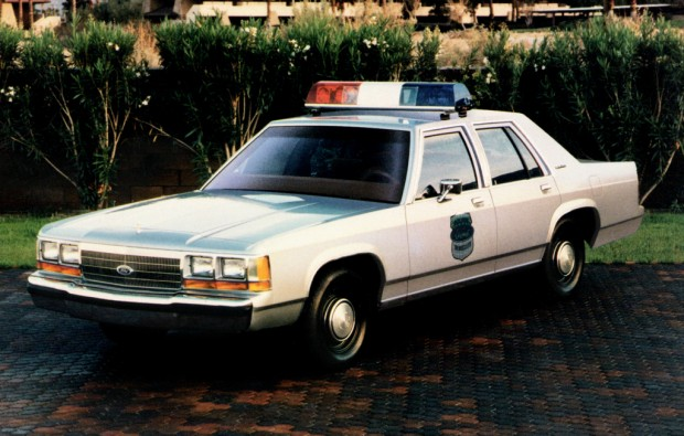 ford_ltd_crown_victoria_1