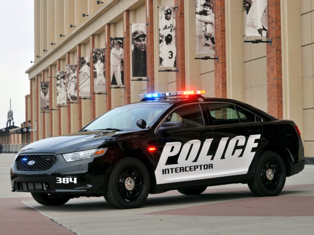 ford_police_interceptor_sedan_1
