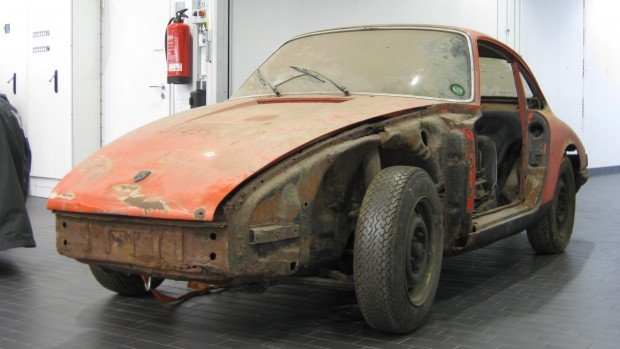 high_911_barn_find_2017_porsche_ag (1)