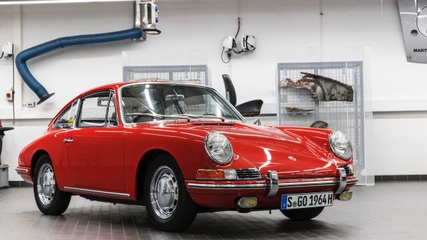 high_911_barn_find_2017_porsche_ag (11)