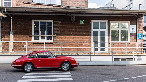 high_911_barn_find_2017_porsche_ag (14)