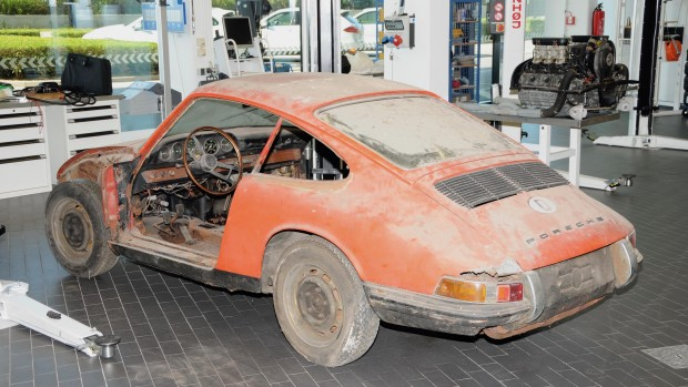 high_911_barn_find_2017_porsche_ag